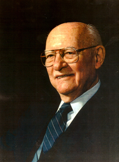 SOT(仙骨後頭骨テクニック)創始者 Dr.メージャーバードランド・ディジョネット